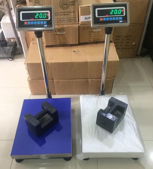 Các dòng cân bàn điện tử 100kg phổ biến hiện nay