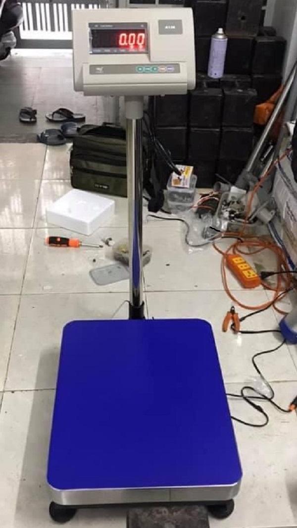 Cân bàn điện tử 200kg giá rẻ