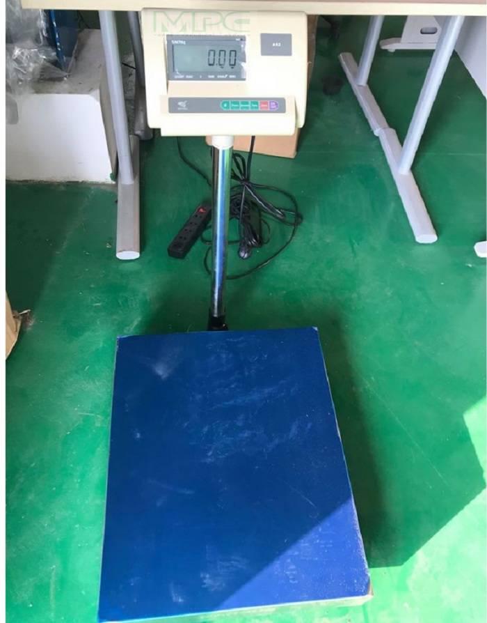 Cân bàn điện tử 500kg giá rẻ