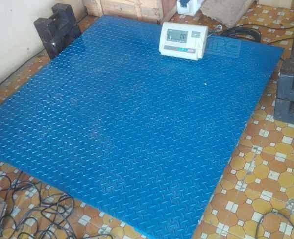 Cân sàn điện tử 1 tấn giá rẻ